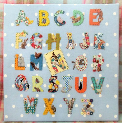 CUSHION-AND-ALPHABET-009a